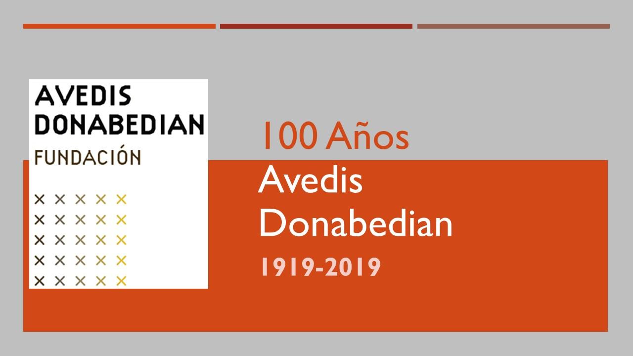 100_Anys_AD_Gris_CAST